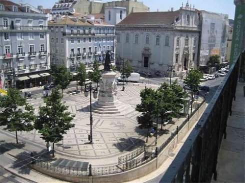 Largo de Camões, in Chiado